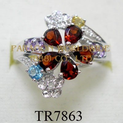 10K White Gold Ring Multi and White Diamond - TR7863